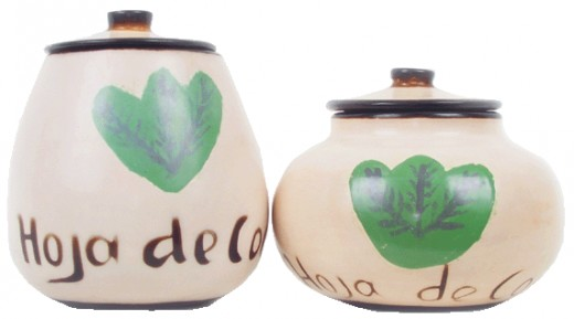 Ceramic containers for coca leaves
