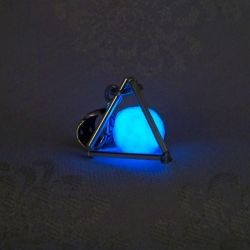 glow in the dark wire pyramid