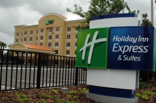 Holiday Inn Poolside : Close To All Tampa Bay Fun