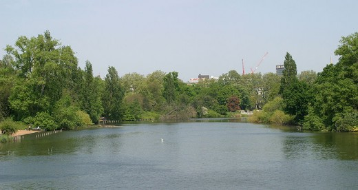Long Water, in Kensington Gardens