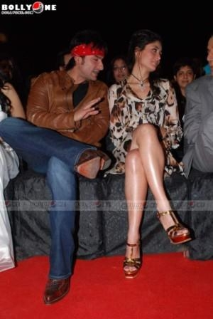 Kareena Kapoor hot legs picture - 3