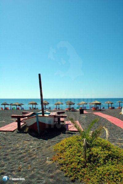 Santorini Photo Gallery: Black Beach
