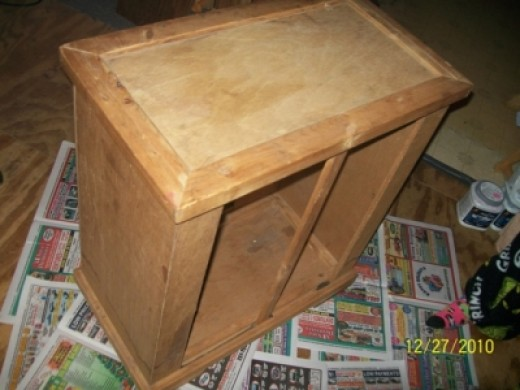 Paint Wood Furniture: Fish Tank Cabinet Recycled into TV Stand