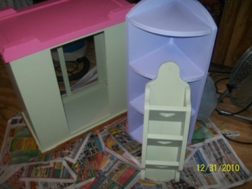 Girly girl colors on reclaimed wood furniture. We have enjoyed painting our wood furniture. It looks really nice.