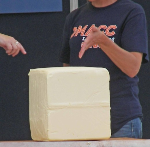 Butter sculpting contest on Bill Riley Stage