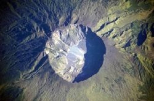 Tambora filmed from space by the NASA Expedition 20 crew (Sourse: NASA)