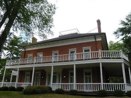 Rumours of hauntings at the Van Horn Mansion in Newfane, NY have been around for many years. Built in 1823 by Judge James Van Horn, it is the site of Newfane's first meeting. The grave of Malenda Van Horn, wife of James Van Horn Jr., is located in th