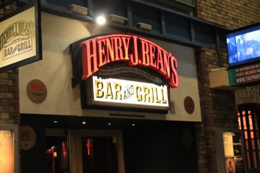 Henry J. Bean's - Bar and Grill