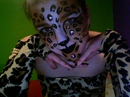 A Great Leopard Face Painting Design!