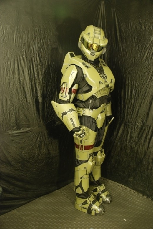 We've nicknamed this suit Spartan Intimidator 316. Here he is staring a grunt down