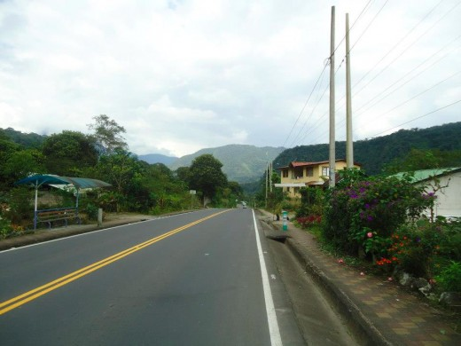 The street to Puyo.