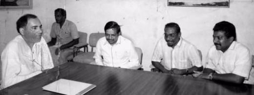 V. Prabhakaran with Rajiv Gandhi, Anton Bakasingham, Panruti Ramachandran .