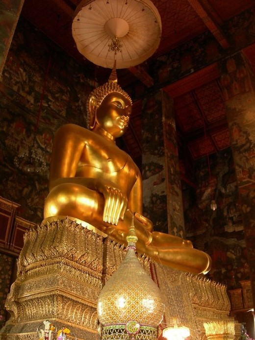 Phra Sri Sakyamuni by Nick Upton