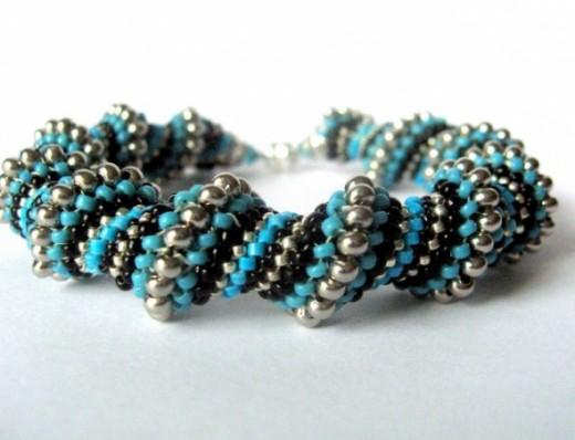 Trinidad_bracelet_by_beadnurse