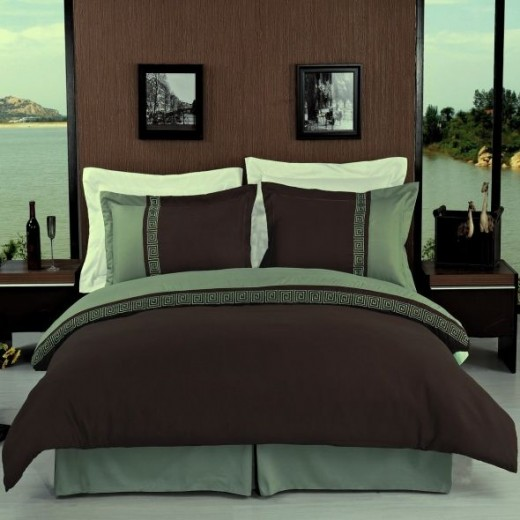 Hotel Style Greek Brown Chocolate/Sage Green Microfiber Duvet Cover Set King