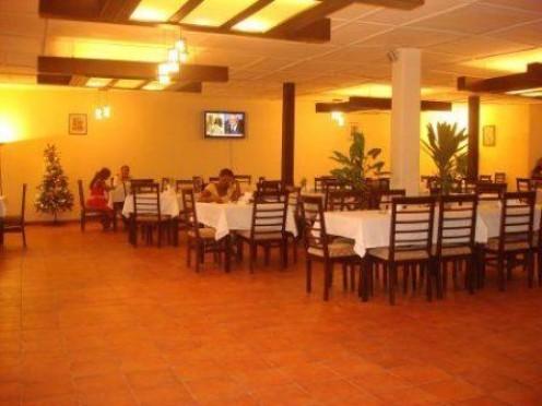 Cape Hotel Restaurant. Good Sunday Brunch.