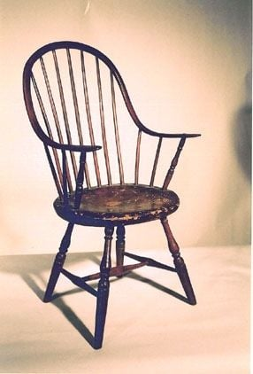 Continuous Arm Windsor Chair