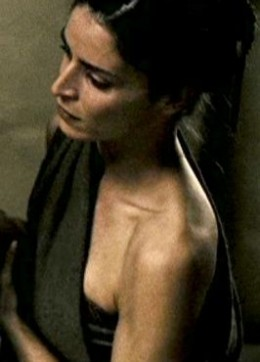 Closeup of Leonidas' mother's first attendant