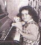 A pretty Susan, at home as a child