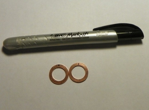 Marker with marked washers