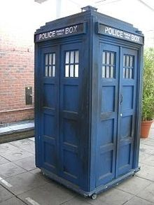 The Doctors Time Machine! Open the door and check what's inside!