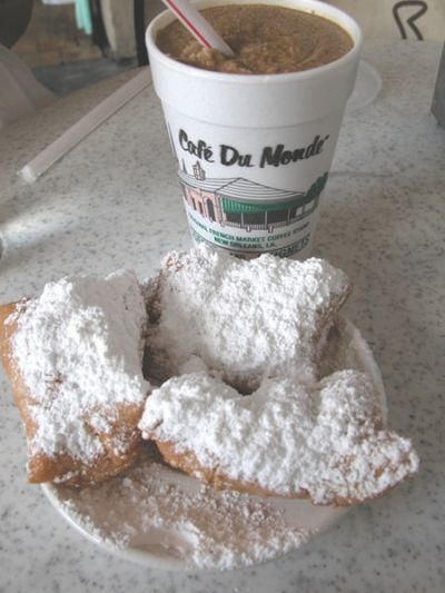 Beignets & Frozen Caf Au Lait at Caf Du Monde in New Orleans, Louisiana. Photo courtesy of Jason Perlow (jason@egullet.org)