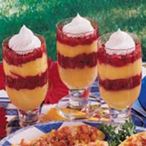Pretty Raspberry Pudding Parfaits