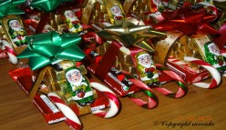 How to Make Chocolate Candy Cane Sleighs for Christmas