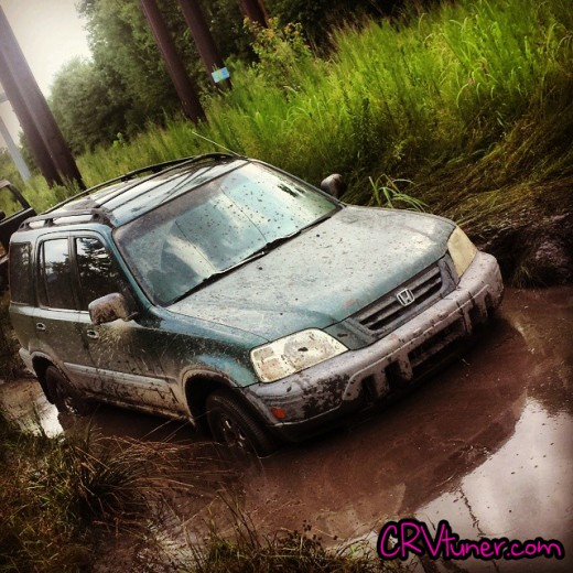CRV Offroad in the mud stock
