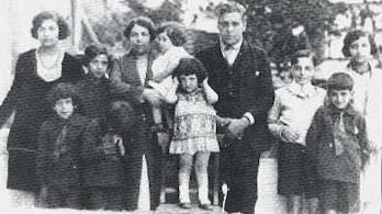 Carlos, Sebastião, Teresinha, Pedro. Back Row: Clotilde, Joana, Angelina, Luís, Aristides, Geraldo, Isabel
