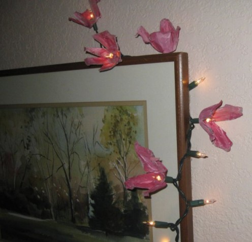Use paper-style egg cartons to Make Egg Carton Flower Lights.