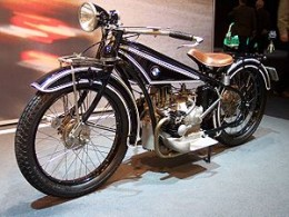 BMW R32  from 1923   source: Wikipedia