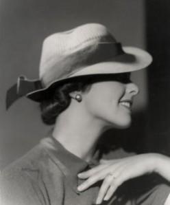 Mildred Pierce: Female Fiction Circa 1941