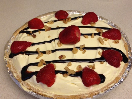 Finished decorated Banana Split Pie