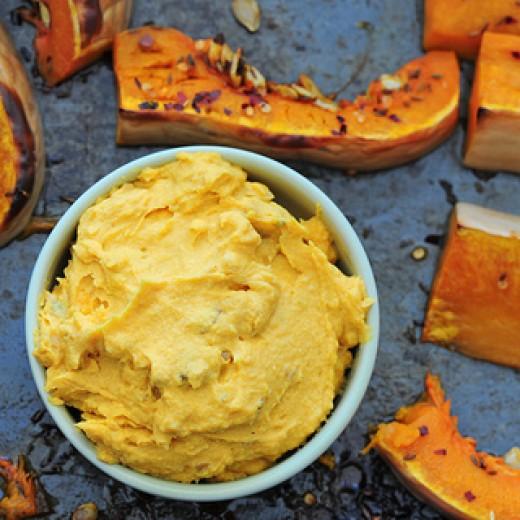 Healthy Halloween Pumpkin Hummus