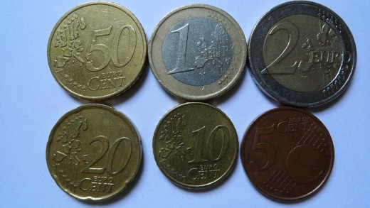 €3.85 - what can we buy from this? Can someone send me nice (own) pictures of Dollar coins?