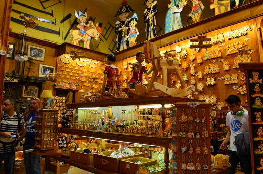 Toy story of Bartolucci- An amazing wooden  toy store in Rome near Piazza Navona.