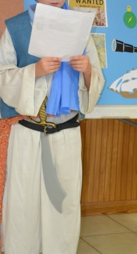 Barbary pirate costume and presentation