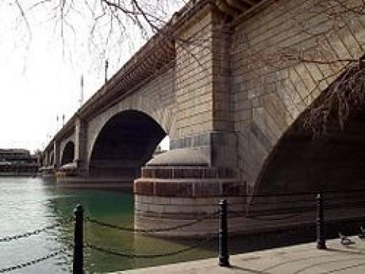 London Bridge reconstructed in Havasu City, Arizona