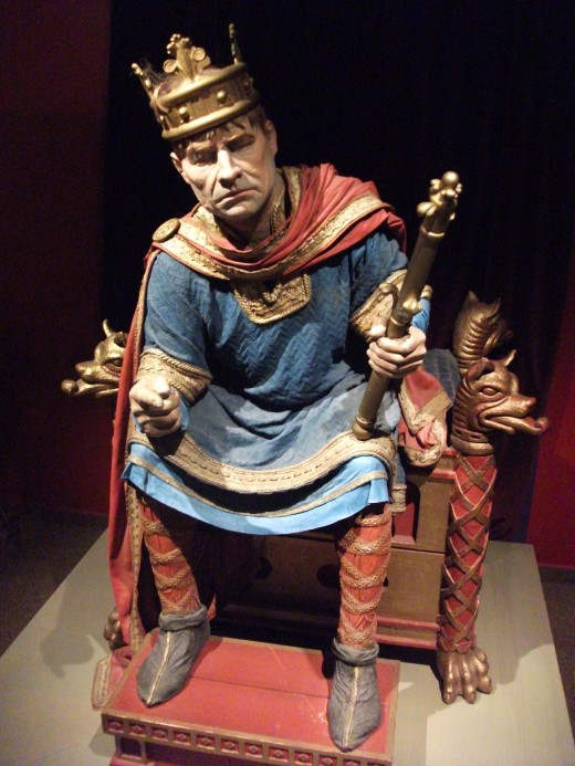 Figure of William I in the Bayeux Tapestry Museum. His hair does not seem to be well modelled. To all intents and purposes he was russet-haired like William fitzOsbern and Alan 'Rufus' who became the Breton lord of the Honour of Richmond (Yorkshire)