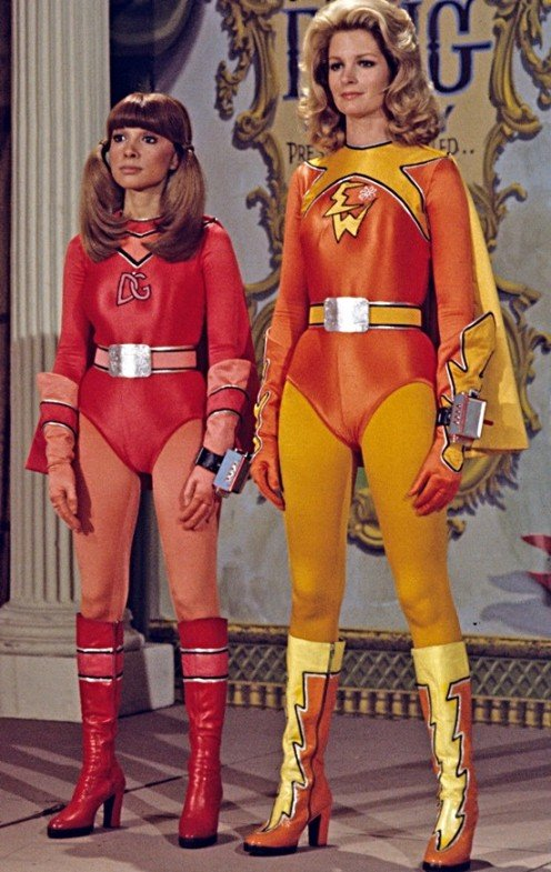 Judy Strangis as Dyna Girl (left) Diedra Hall as Electra Woman (right)