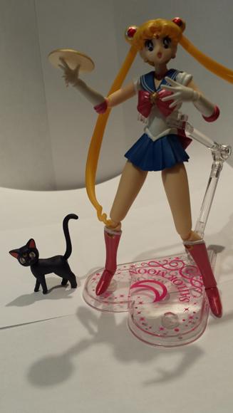 Sailor Moon Figuarts posed.