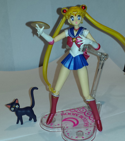 Sailor Moon Figuarts posed with lighting.