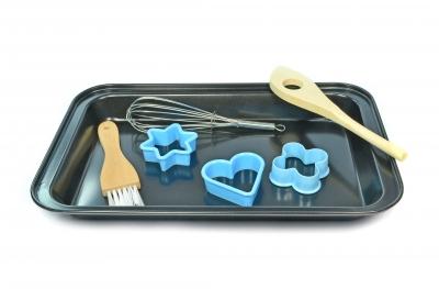 Equipment needed when baking. Image Credit: Mister GC via FreeDigitalPhotos.net