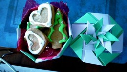 Origami box for Christmas cookies