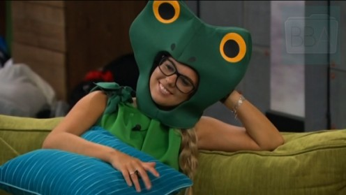 Nor is Nicole's green frog suit the only thing that's going green either.
