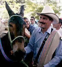 """""""Juan"""" appreciates """"Conchita"""" very much"""