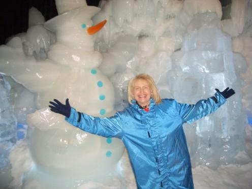 ICE @ Gaylord Palms Resort in Florida!  I'm enjoying the frigid 9 degree temperature!