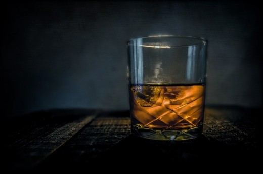 Ballantine's flavour is dependent on 50 single malts, four single grains and in particular the fingerprint malts from Miltonduff and Glenburgie.