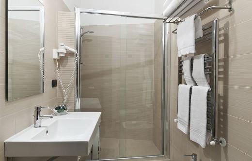 Modern Comfort Room